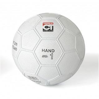 Tremblay resiste alla palla a mano